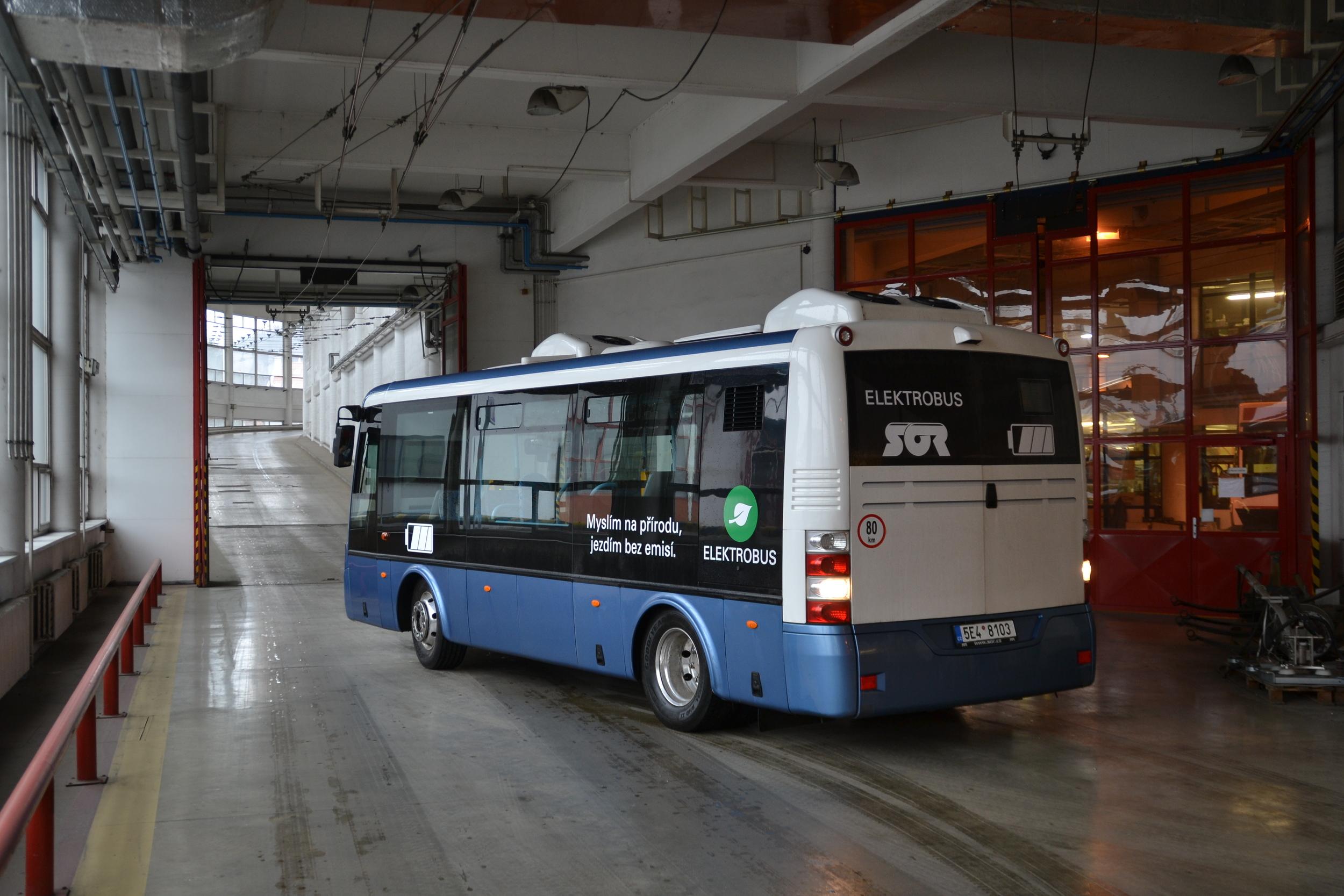 Modelovou řadu elektrobusů SOR tvoří nyní tři typy. Délkové provedení s osmi metry je nejmenší. (foto: Ing. Jiří Černý, DPMB)