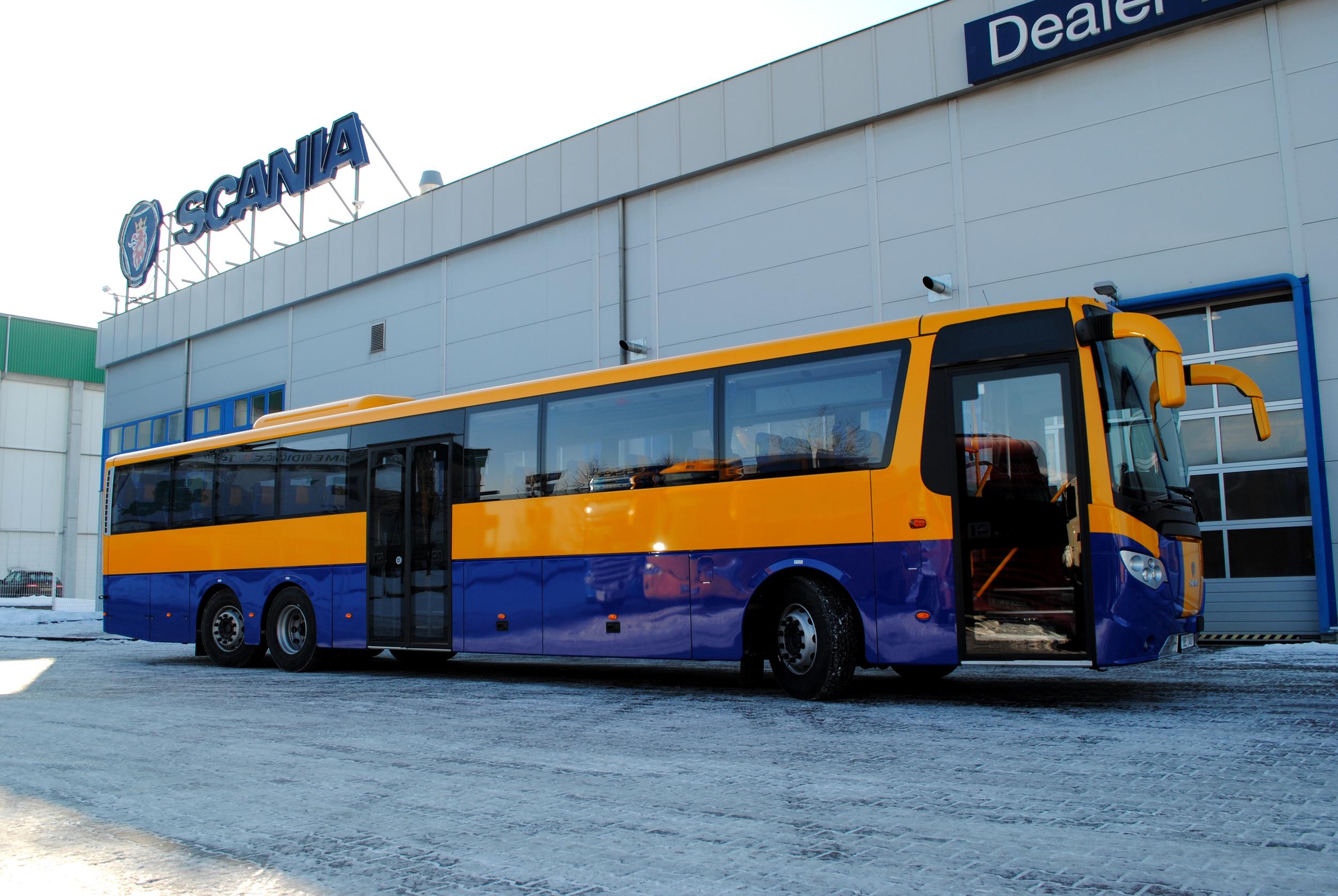 Autobus dosahuje délky 14,7 m. V jeho výbavě nechybí klimatizace salónu cestujících. (foto: Scania)