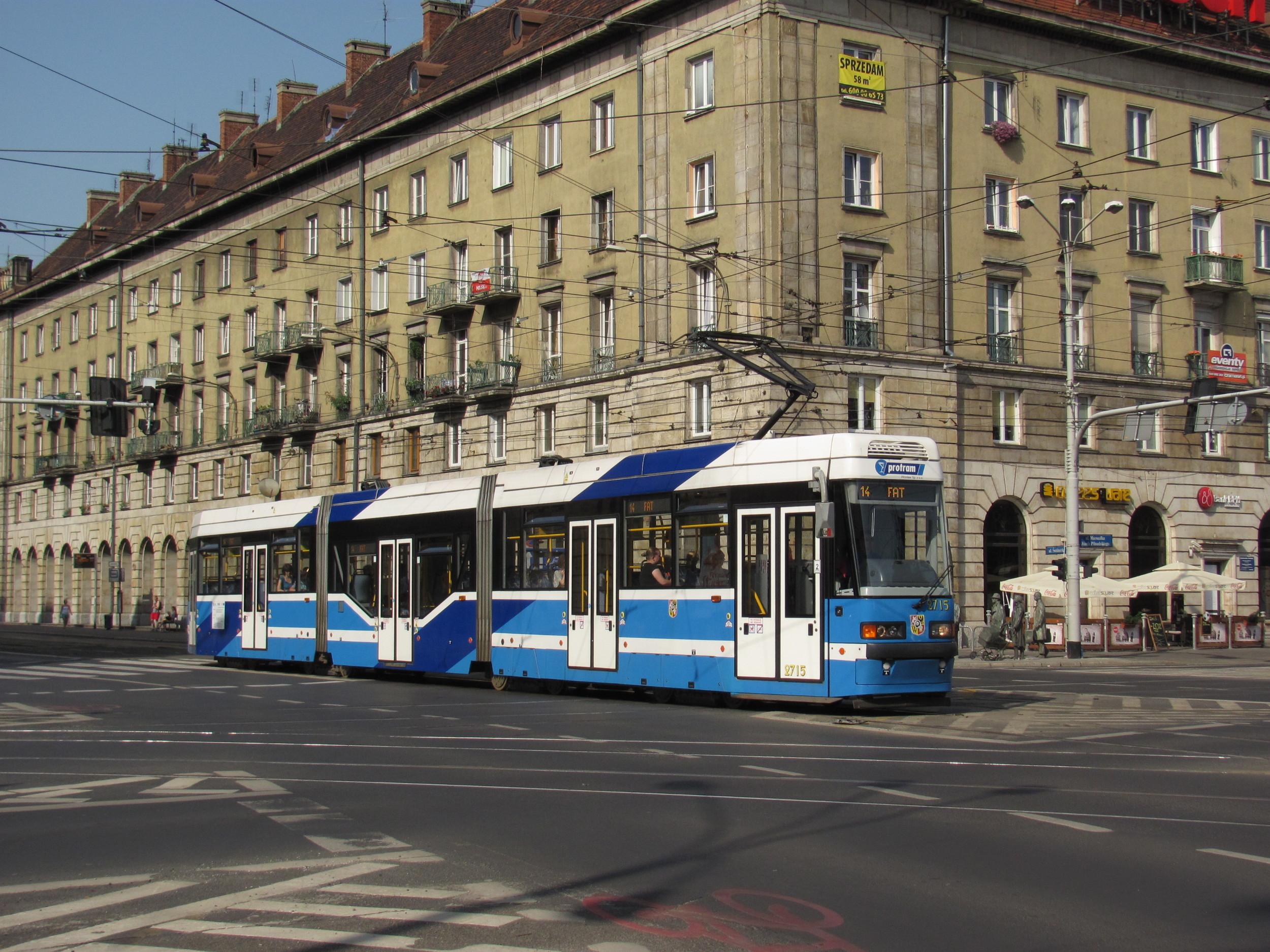 Produkci závodu tvořily od počátku hlavně dodávky pro MPK Wrocław. Na snímku je vůz PROTRAM 205 WRAS. (Ing. Filip Jiřík)