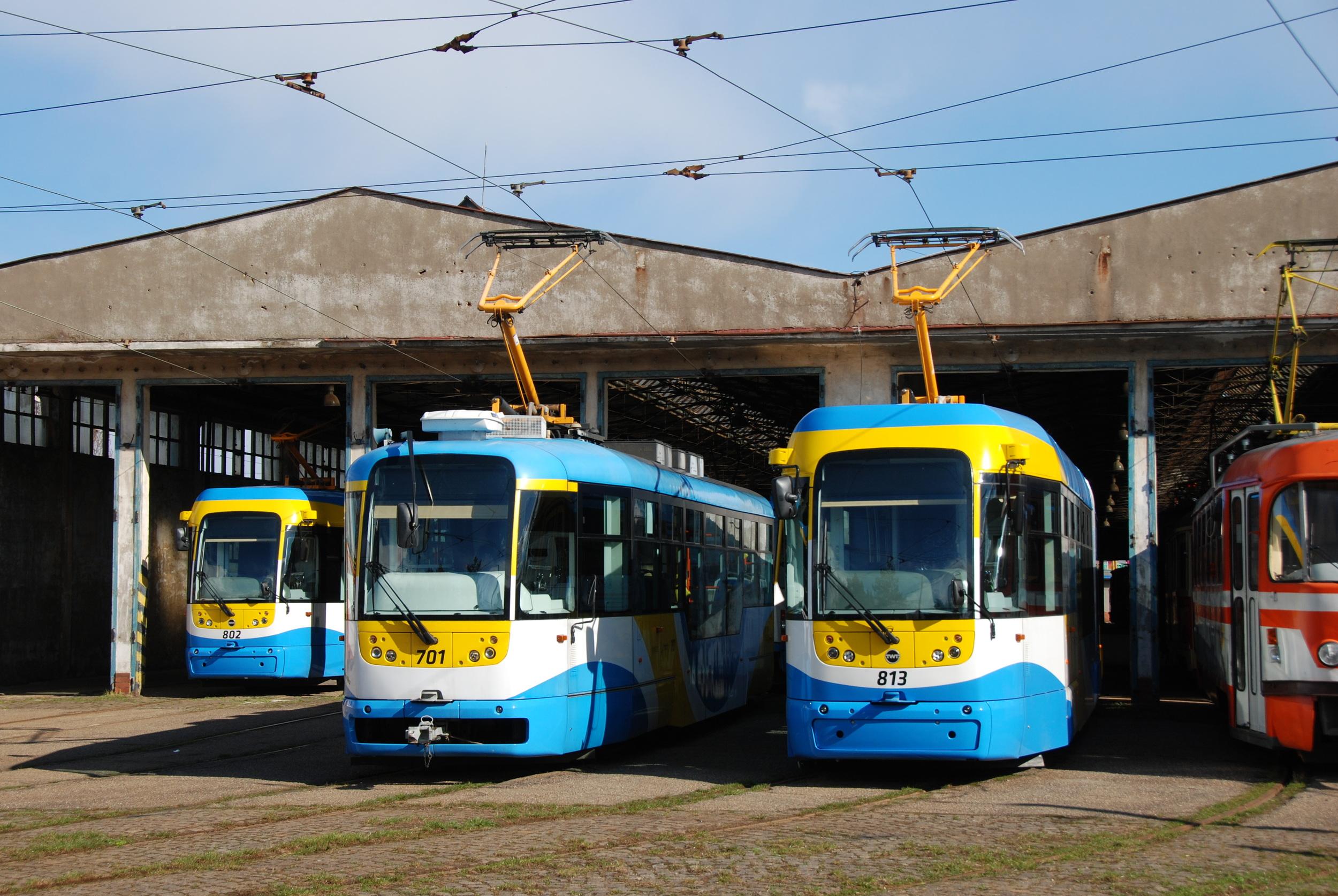 Košice měly s obnovou vozového parku tramvají podobné problémy jako Bratislava. Díky dodávkám vozů VarioLF2+ ovšem průměrné stáří vozového parku výrazně kleslo. (foto: Libor Hinčica)