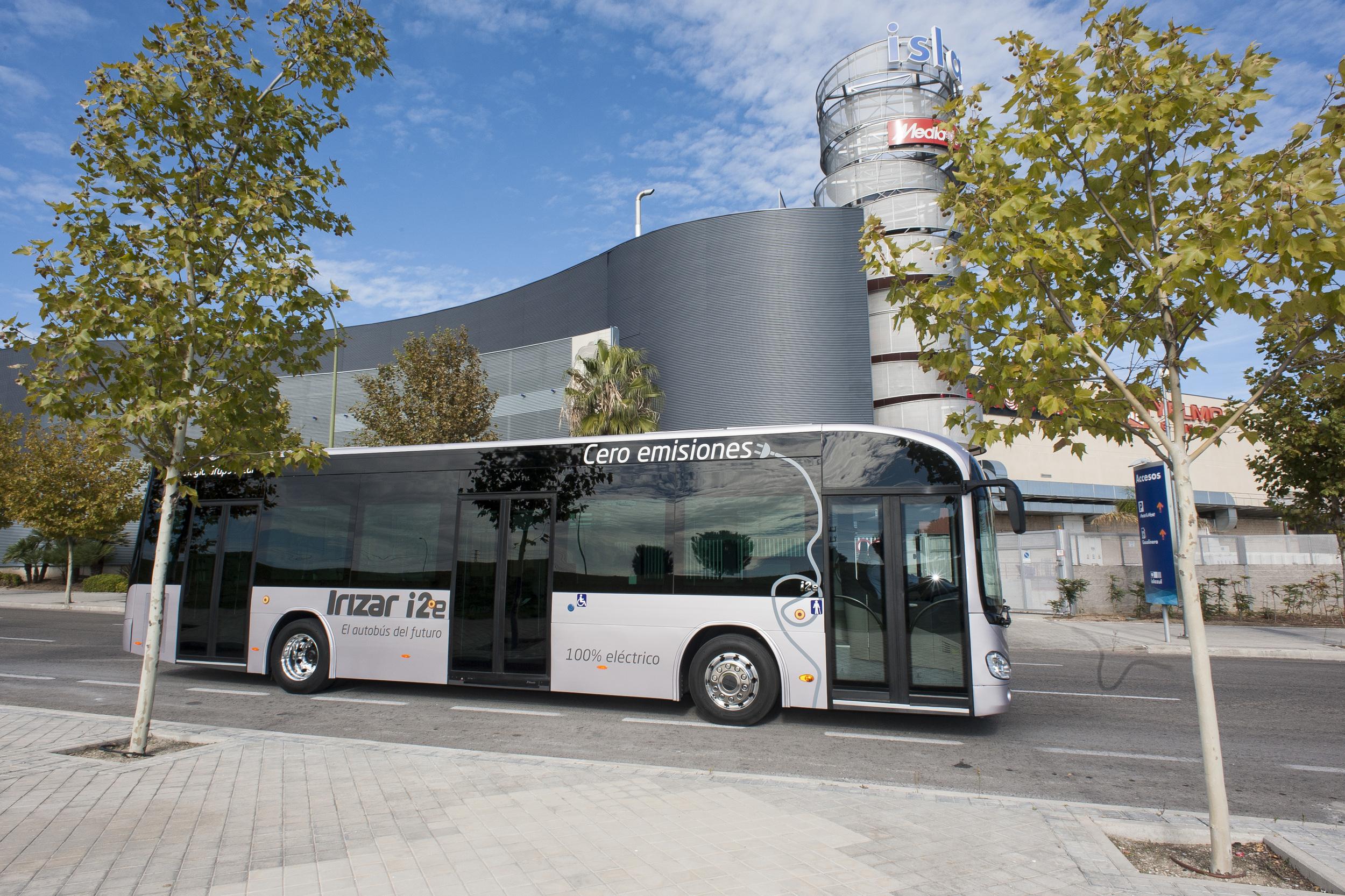 Doposud nalezly shodu čtyři výrobci elektrobusů - mezi nimi i španělský Irizar. (foto: Irizar)