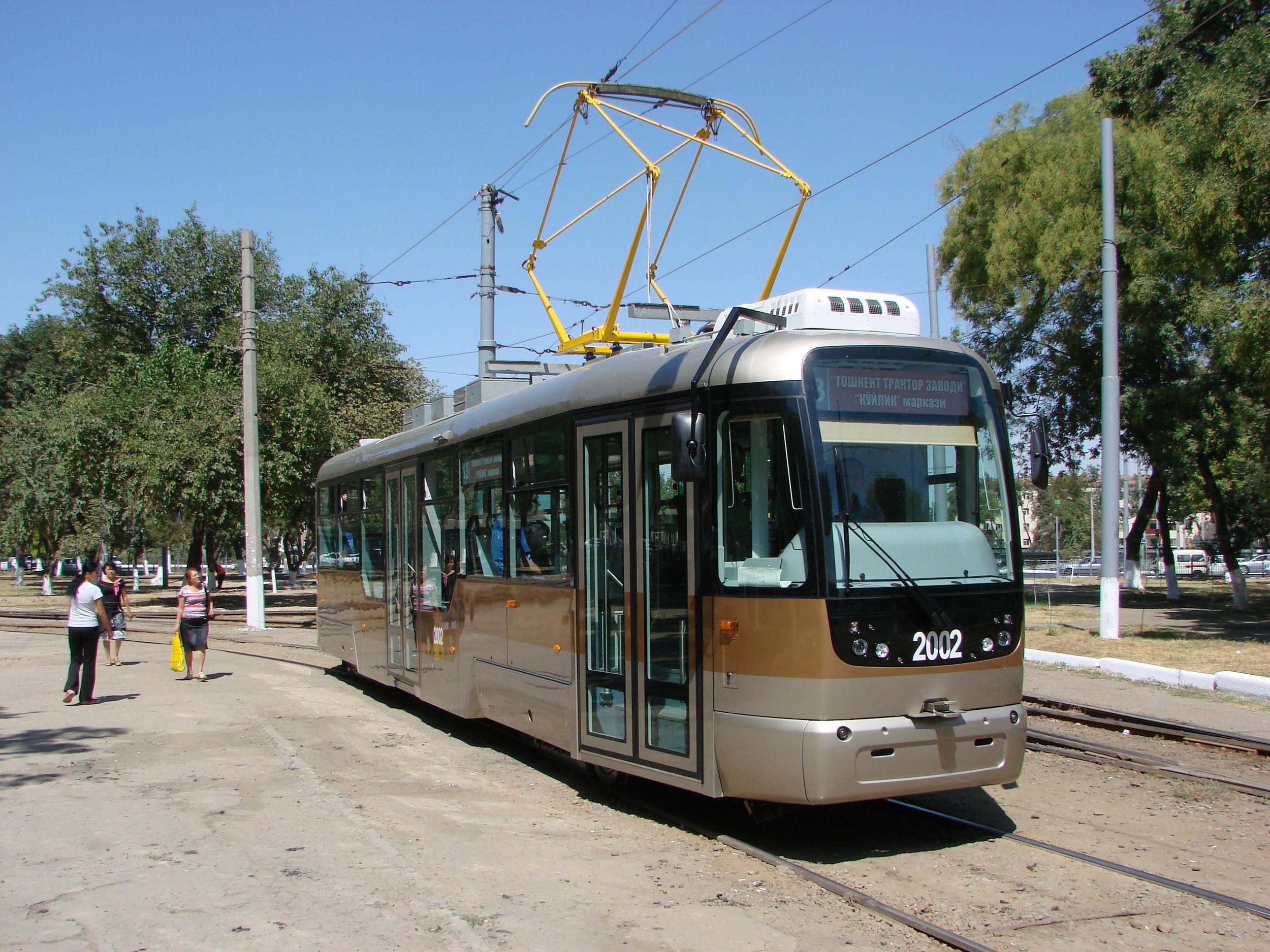 V uzbeckém hlavním městě jezdí také 20 tramvají VarioLF.S.(foto: Sergej Kivenko)