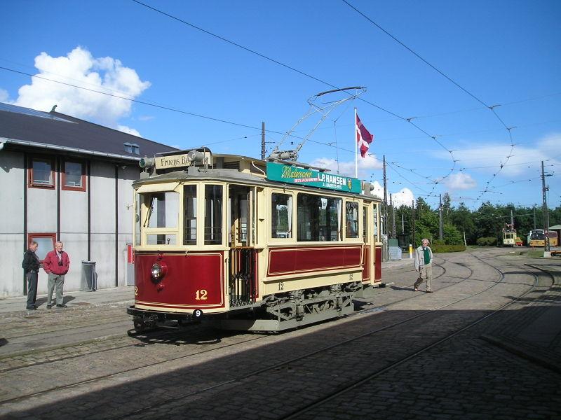Návrat tramvají se očekává i v Odense. Na snímku jeden z původních vozů dráhy, jež sloužila veřejnosti do roku 1952. (zdroj: Wikipedia.org)