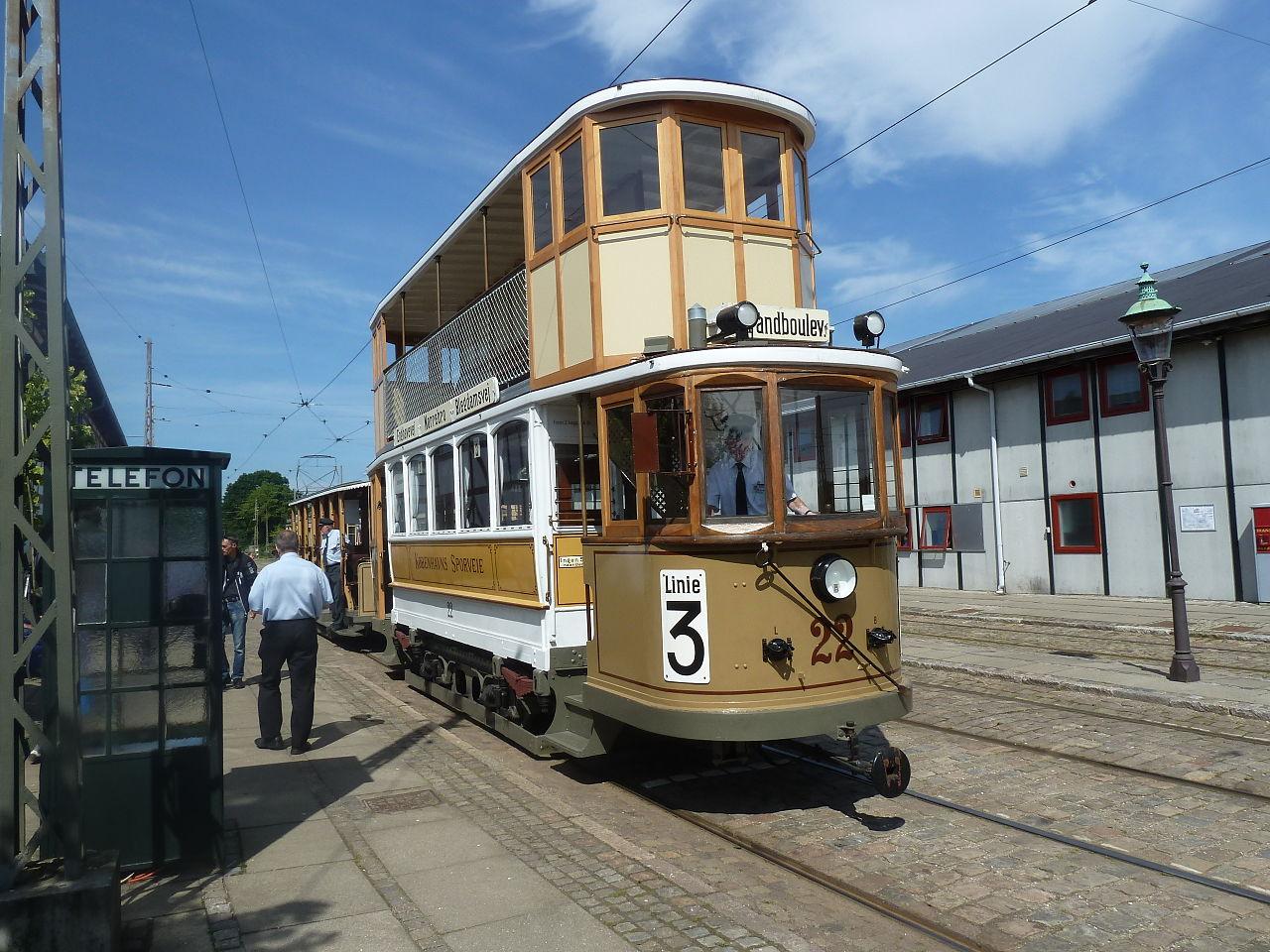 V Kodani byly v provozu i patrové tramvaje, jak dokumentuje tento snímek historického vozu. (zdroj: Wikipedia.org)