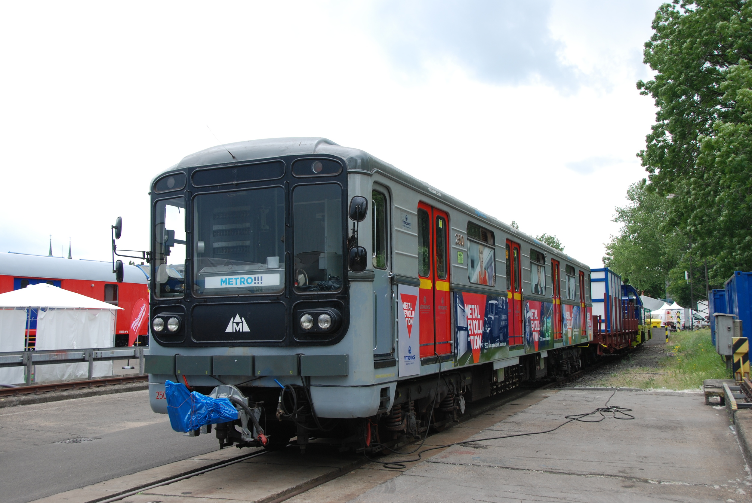 Metro 81-71 společnosti Vítkovice Doprava. (foto: Libor Hinčica)