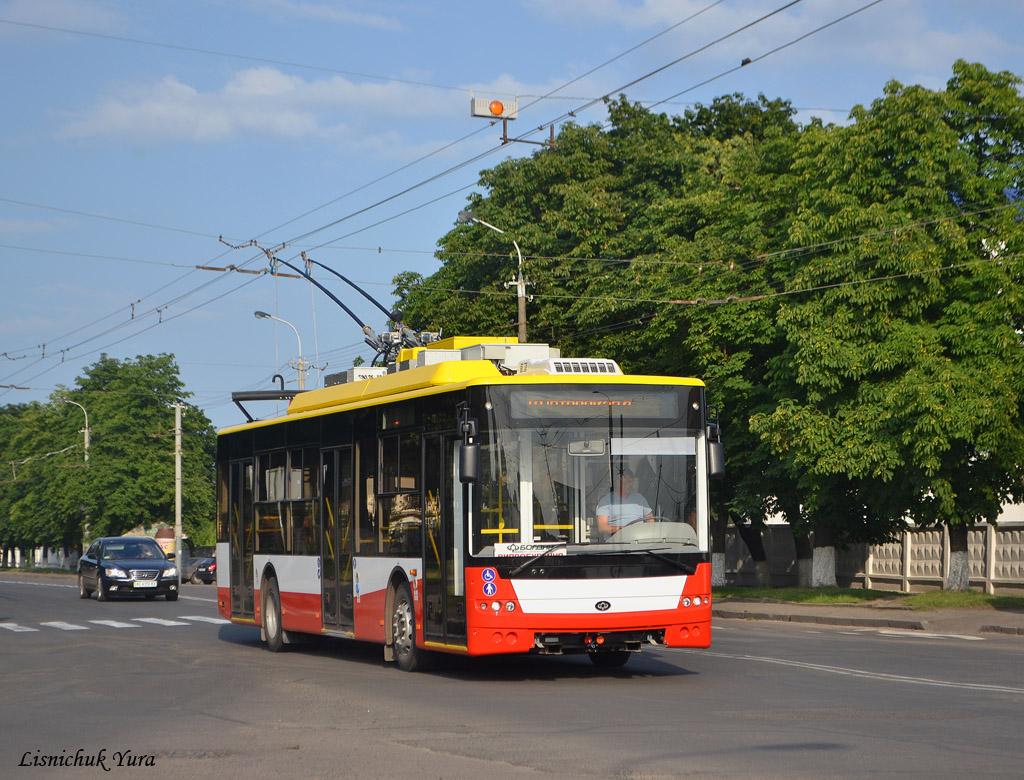 Jeden z pěti nových trolejbusů Bogdan. (zdroj: www.transphoto.ru, foto: Lisnichuk Yura)