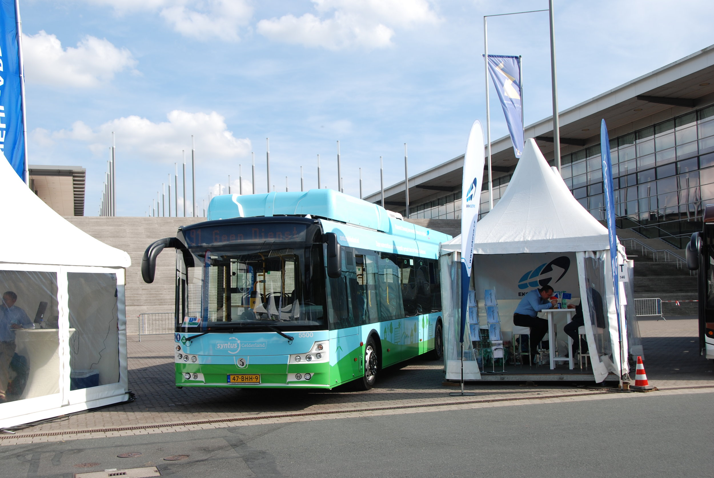 Autobus Solbus na stánku společnosti Ziehl-Abbeg. (foto: Libor Hinčica)