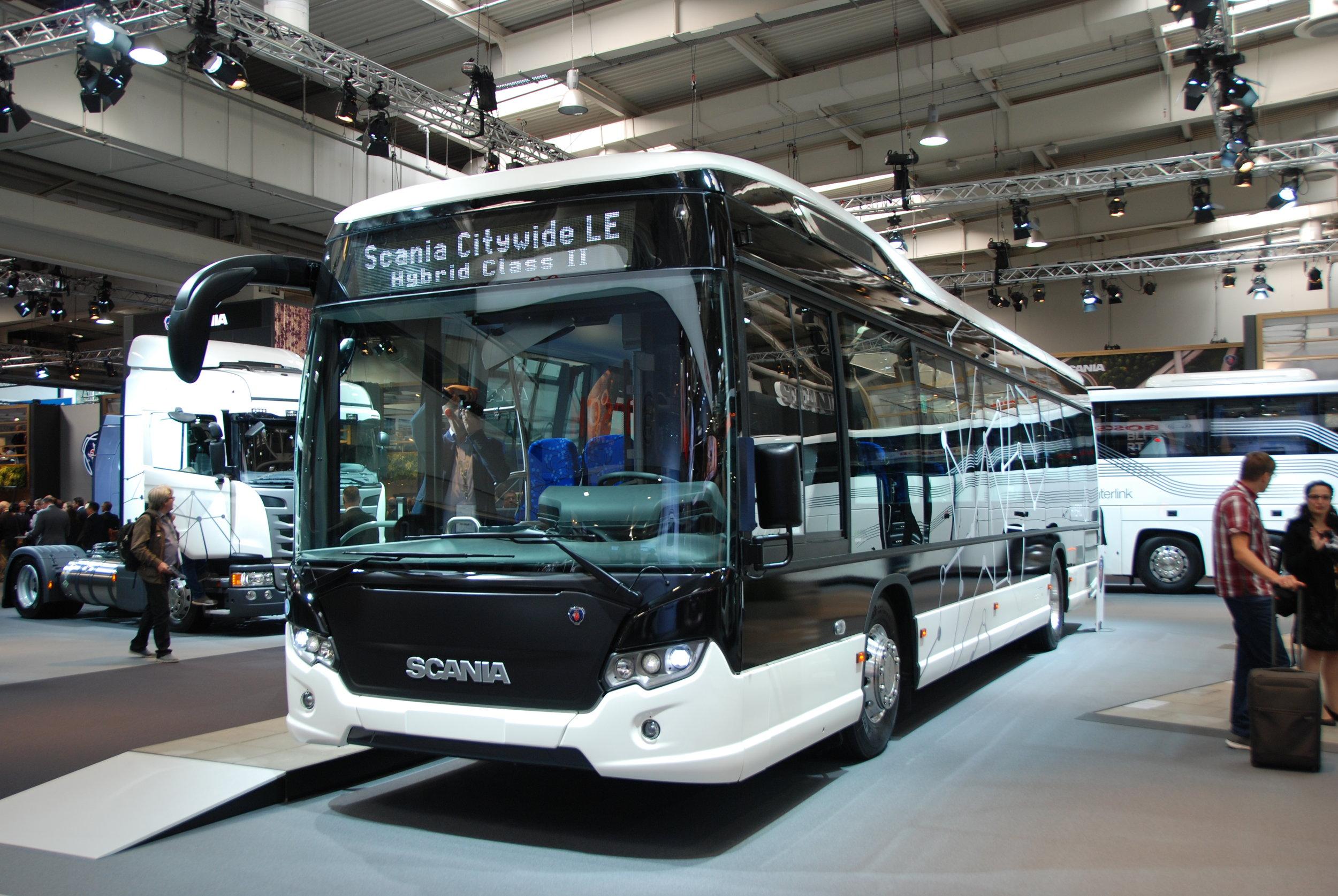 Hybridní Scania Citywide LE. Scania měla na veletrhu jednu z nejlépe provedených tiskových konferencí. (foto: Libor Hinčica)