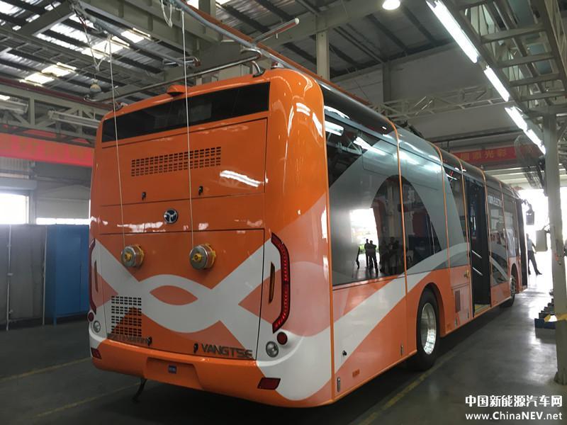Zadní pohled na čínský trolejbus pro Marrákéš. (zdroj: www.chinanev.net)