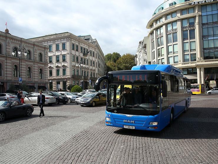 Prvních 10 vozů bylo předáno do provozu koncem září 2016. (foto: MAN Truck & Bus)