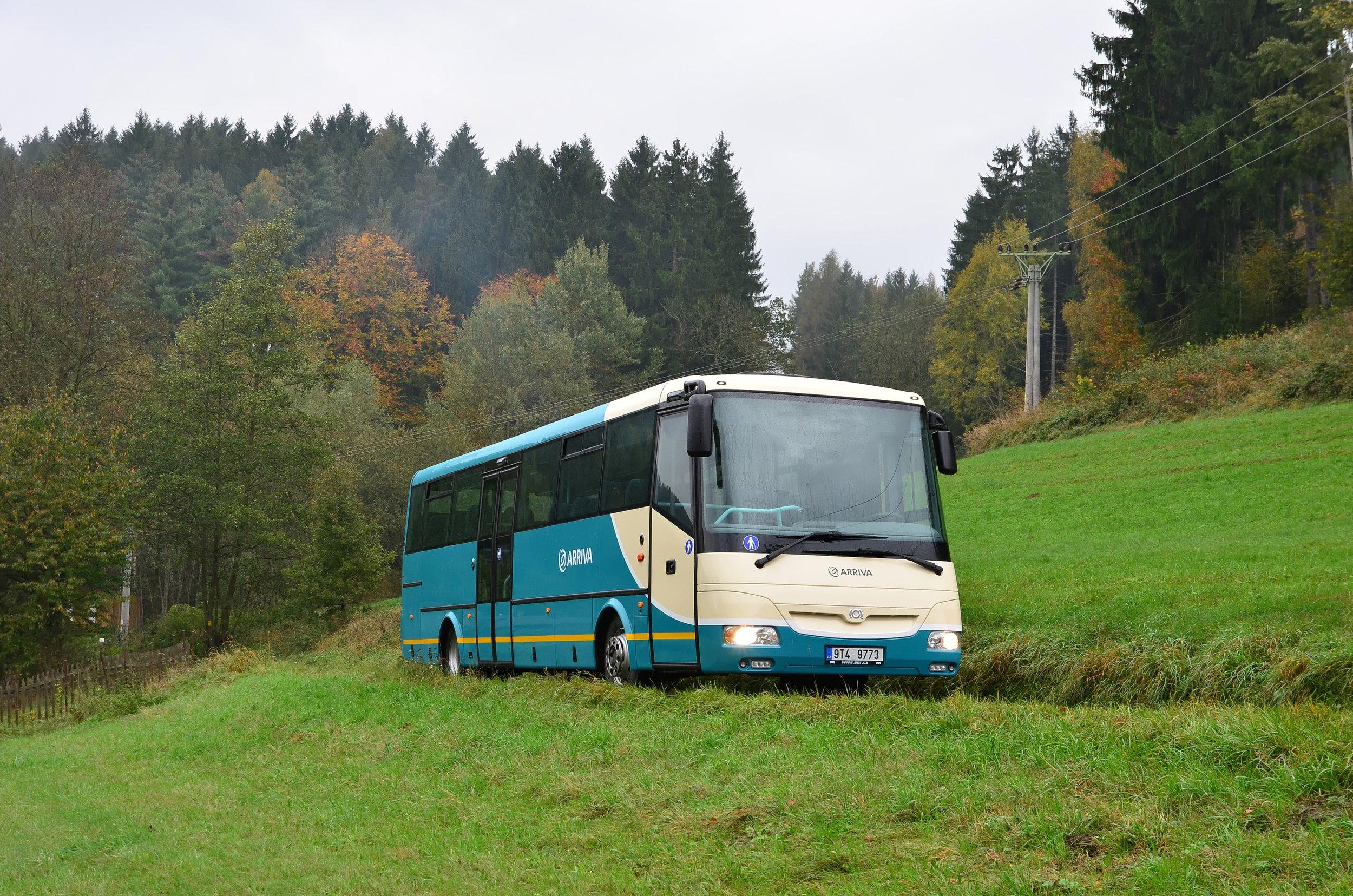 Na některých relacích budou autobusová spojení přímo konkurovat železnici. (foto: Miroslav Halász)