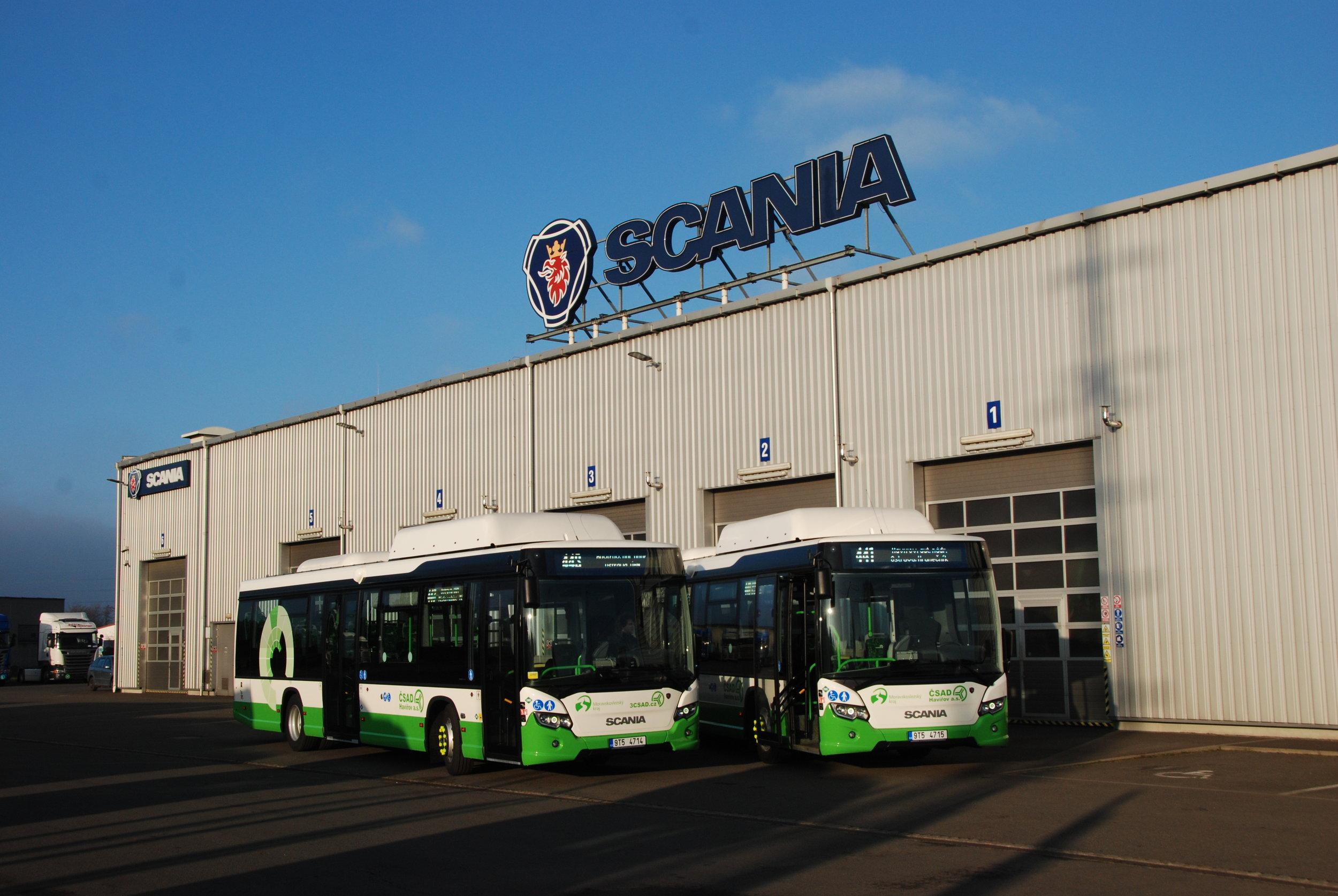 Autobusy Scania Citywide LE pro ČSAD Havířov v areálu společnosti Scania v Paskově při slavnostním předání zákazníkovi. (foto: Libor Hinčica)