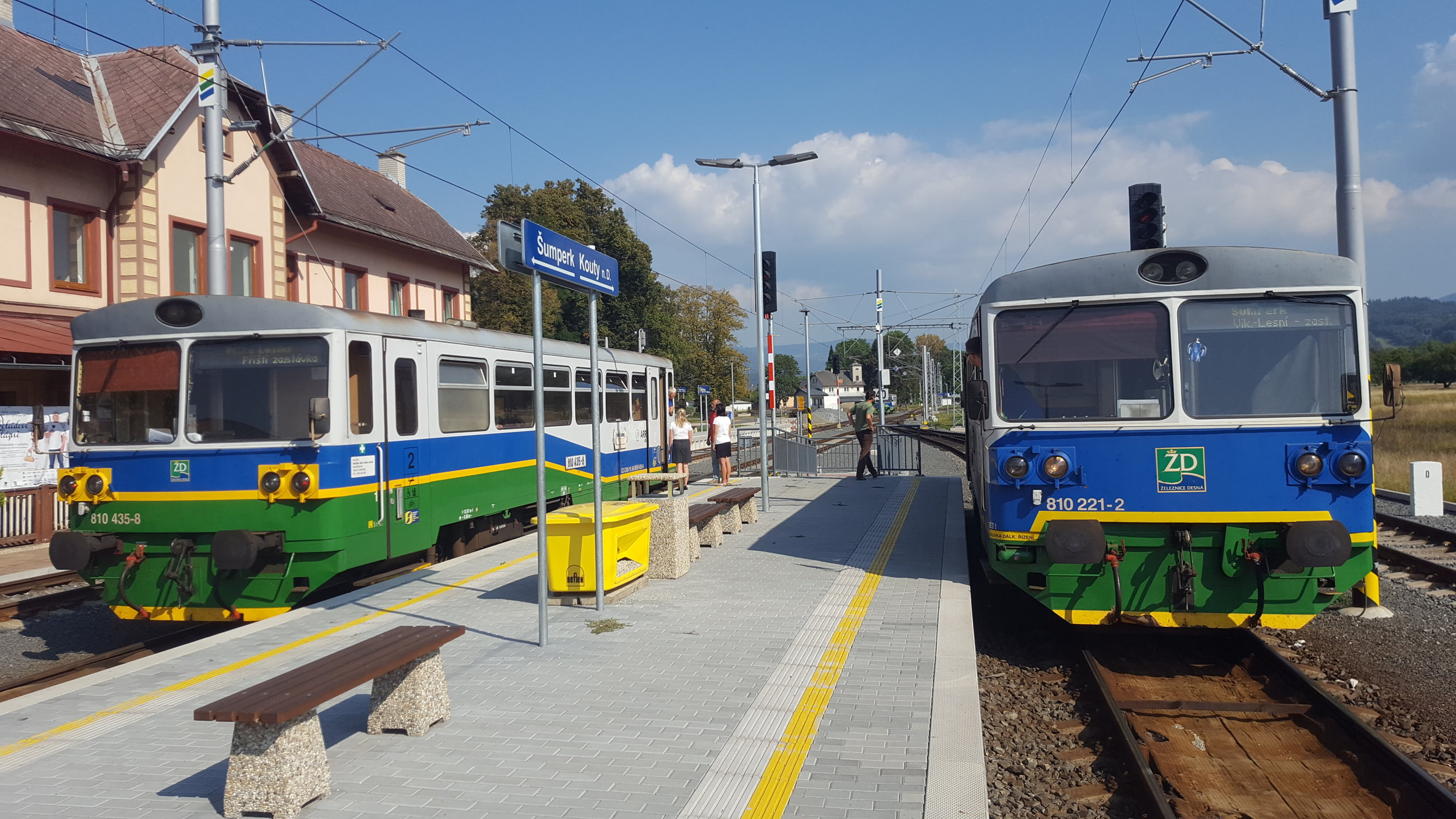 Vozy řady 810 byly dlouho symbolem provozu na trati do Koutů nad Desnou. (foto: AŽD Praha)