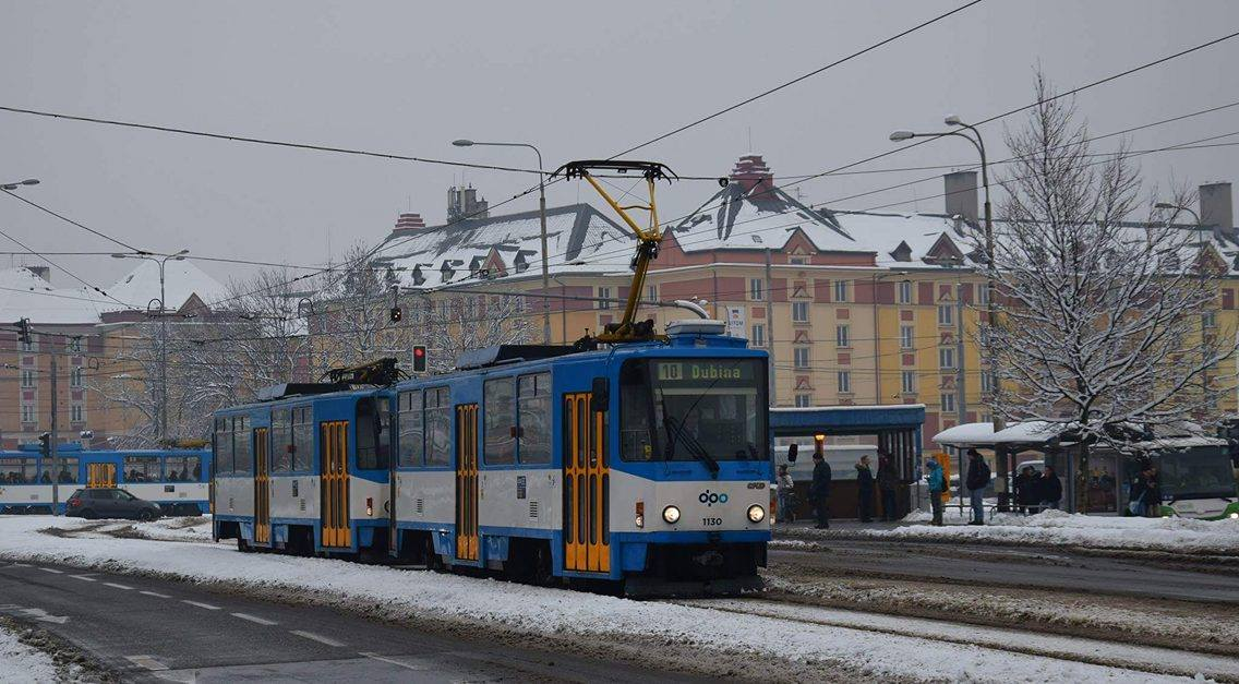 Poslední významnou novou tramvajovou tratí v Ostravě je ta směřující z Vítkovic na Dubinu podél ulice Místecké. I její podoba je sice jen stínem původně navrhované tramvajové rychlodráhy, přesto je její přínos nezpochybnitelný. (foto: Daniel Košťál)