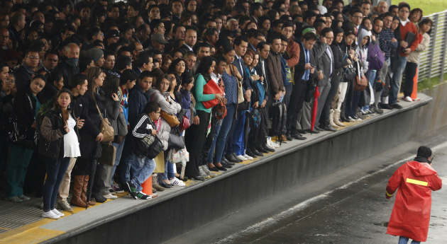 ...jenže ve špičkách může znepříjemňovat život tisícům lidí. (foto: Semana)