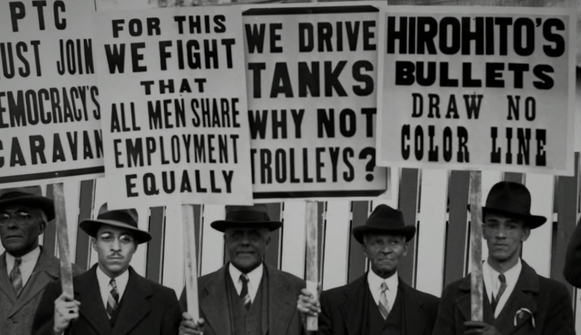 Řídíme tanky, proč ne tramvaje? Černošská populace ve Filadelfii protestovala proti rasistickému pojetí stávky a upozorňovala mj. na to, že černoši jsou již nedílnou součástí armády USA (na bojištích druhé světové války jich bylo kolem půl miliónu). Faktem ovšem je, že i v armádě si černoši vytrpěli své a byli jim většinou svěřovány podřadné úkoly, navíc byli zpravidla segredováni od bílých příslušníků ozbrojených sil. (zdroj: hiddencityphi.org)