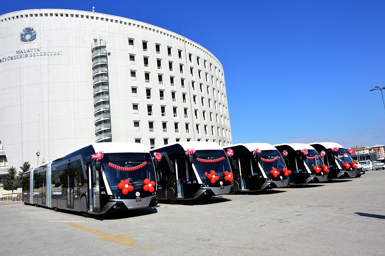 5 nových trolejbusů výrobce Bozankaya při slavnostním uvedení do provozu v Malatyi dne 11. 4. 2017. (foto: MOTAS)
