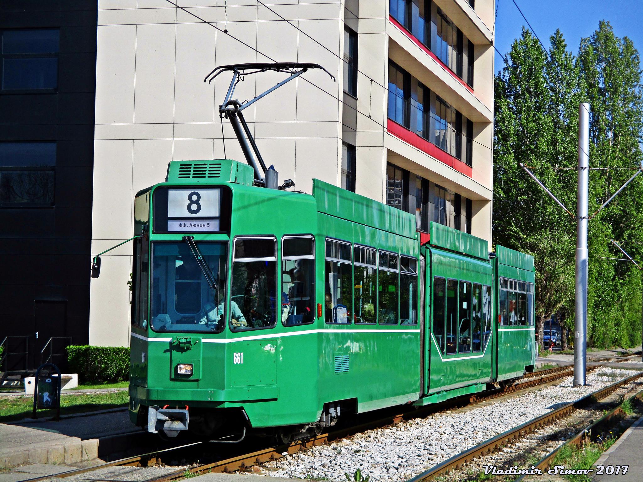Ex-basilejský vůz Be 4/6S byl zachycen v Sofii na lince č. 8 první den provozu s cestujícími (24. 4. 2017). (foto: Vladimir Simov)