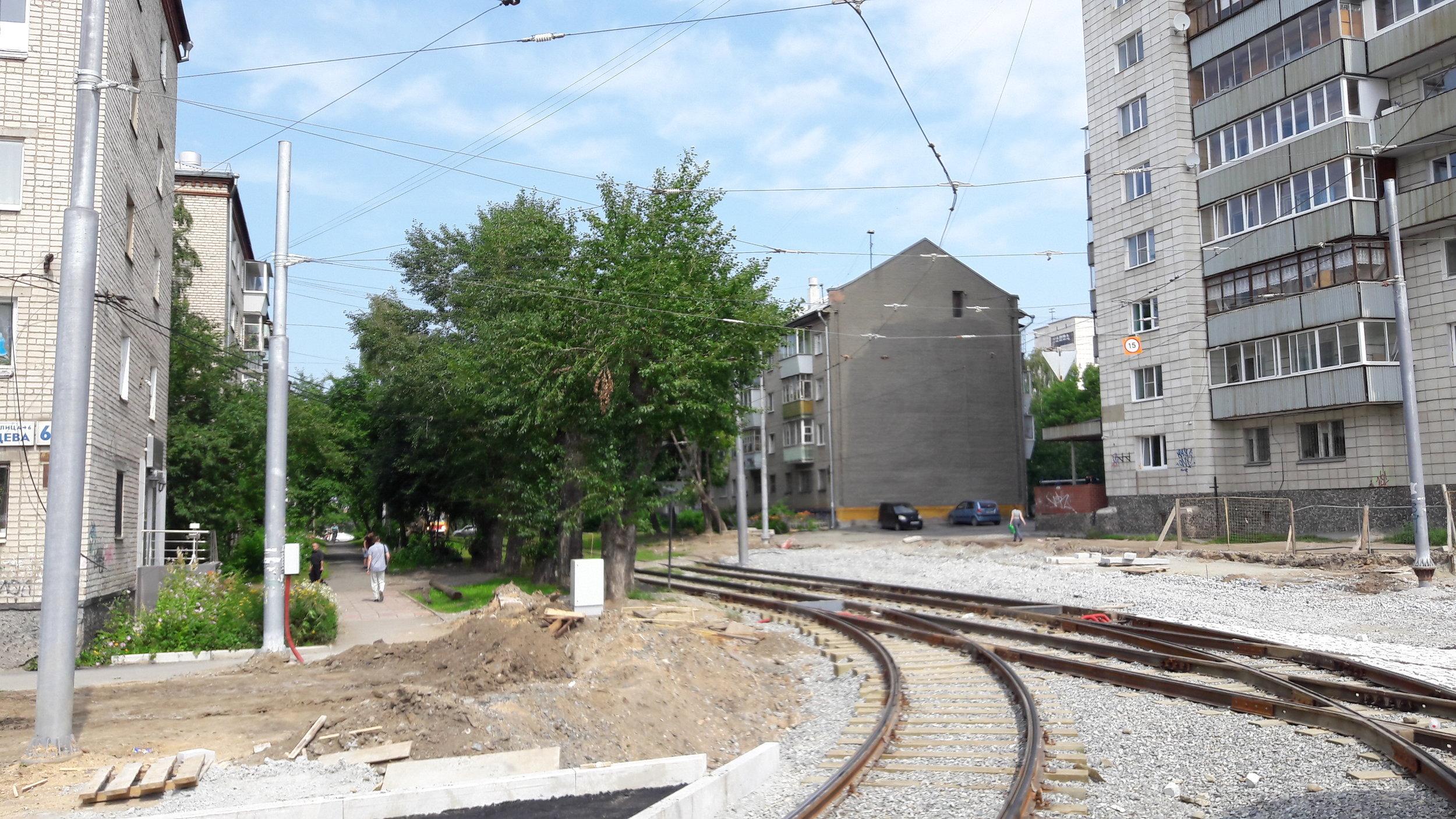 Jedna z rekonstruovaných tratí na západě města letos v létě.