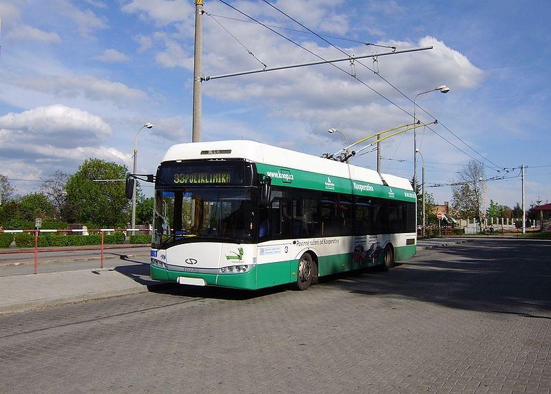 Trolejbusy s karoseií Solarisu nebudou ve městě novinkou. Již v minulosti zde byly dodány trolejbusy Trollino 12 AC vybavené elektrickou výzbrojí od Cegelecu. (zdroj: Wikipedia.org)