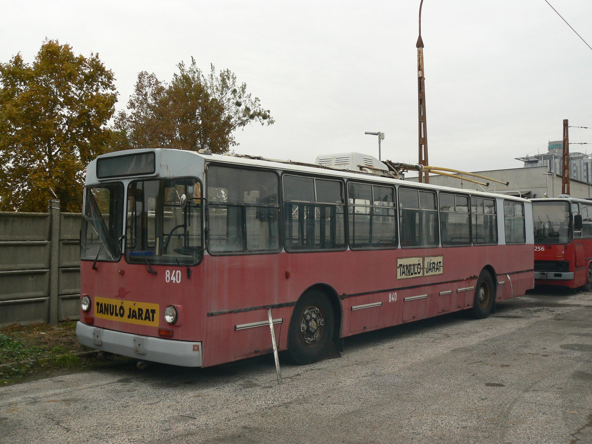 Trolejbus ZiU-682V ev. č. 840 ještě v Budapešti. (foto: Zdeněk Sýkora)
