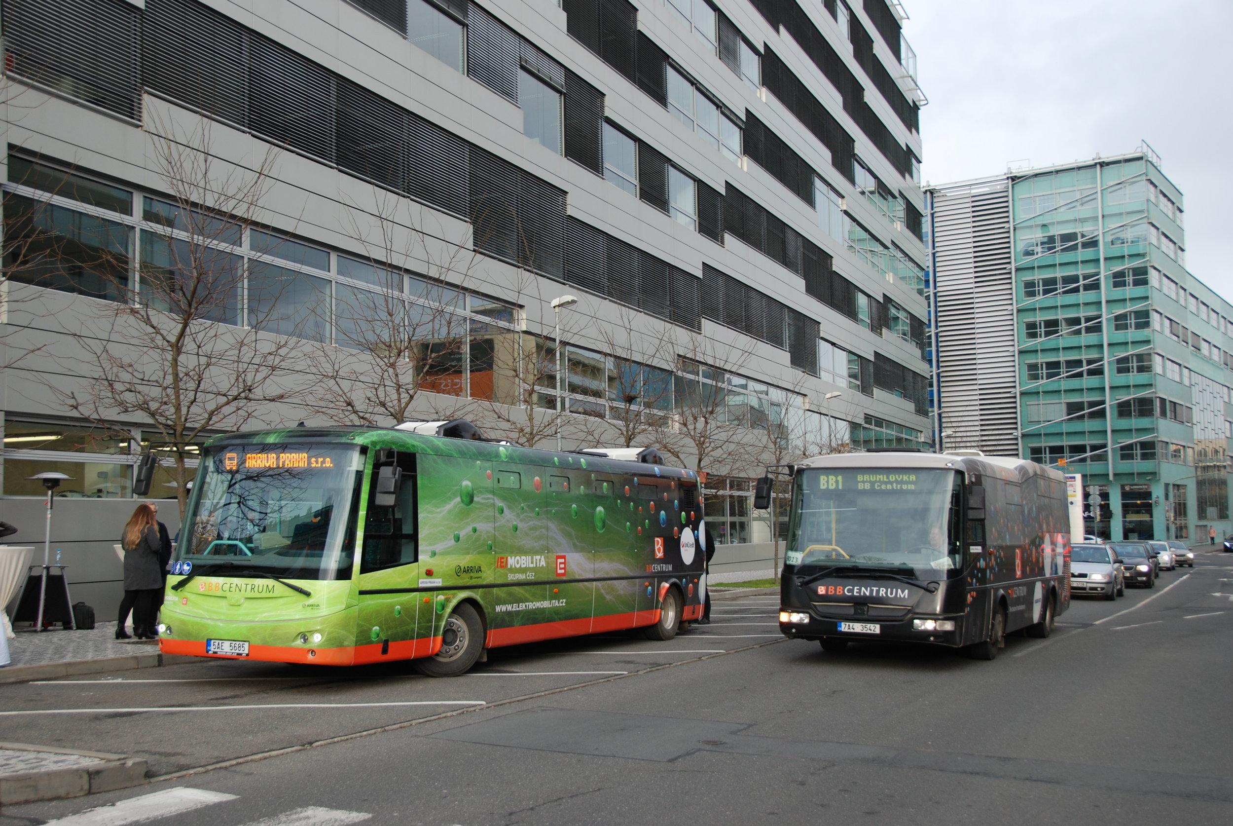 Obsluhu BB Centra zajišťují nadále i dieselové vozy. ELektrobusy má dopravce k dispozici pouze dva. (foto: Libor Hinčica)