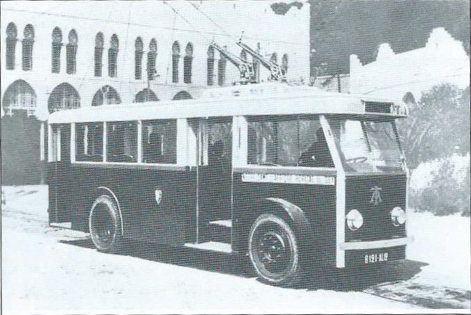 Alžírský vůz typu CS 35 neměl zadní otevřenou plošinu. (foto: archiv G. Mullera)