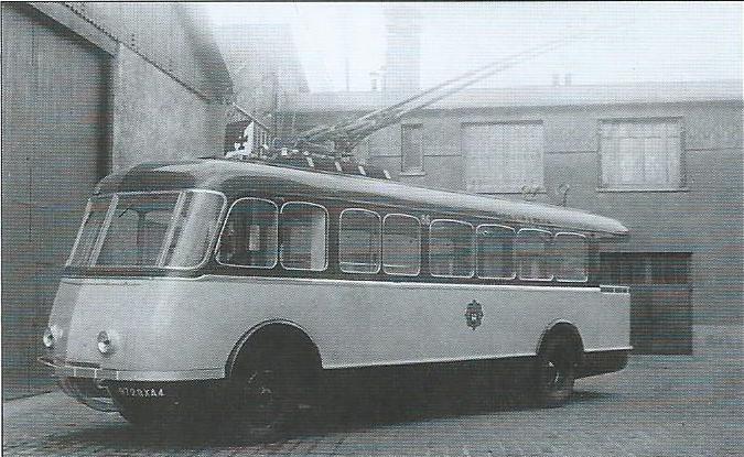 Karosárna Le Bastard dodala roku 1939 sedm elegantních trolejbusů s výzbrojí VETRA. (foto: archiv G. Mullera)