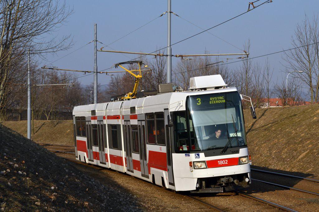 Tramvaj RT6N1 ev. č. 1802 brněnského DP v Brně-Bystrci. (foto: Ing. Jiří Černý)