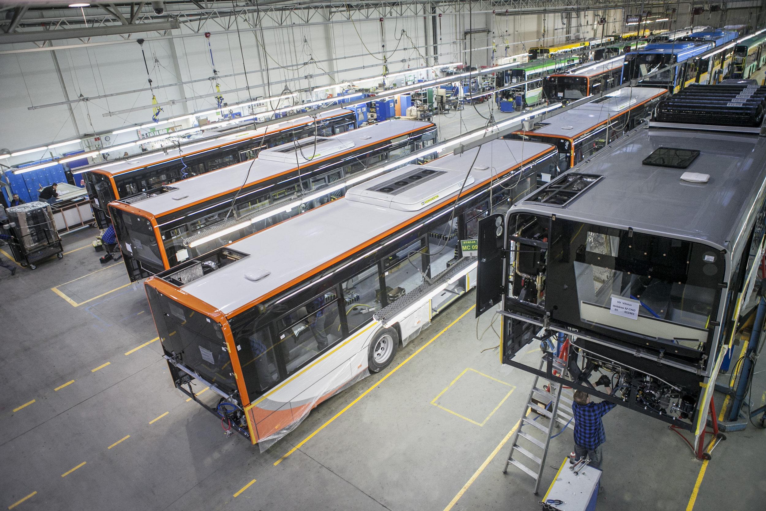 Pohled do výrobního závodu Solarisu.(foto: Solaris Bus & Coach)
