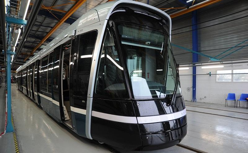 A zde již vidíme první dokončený vůz. (foto: Alstom)