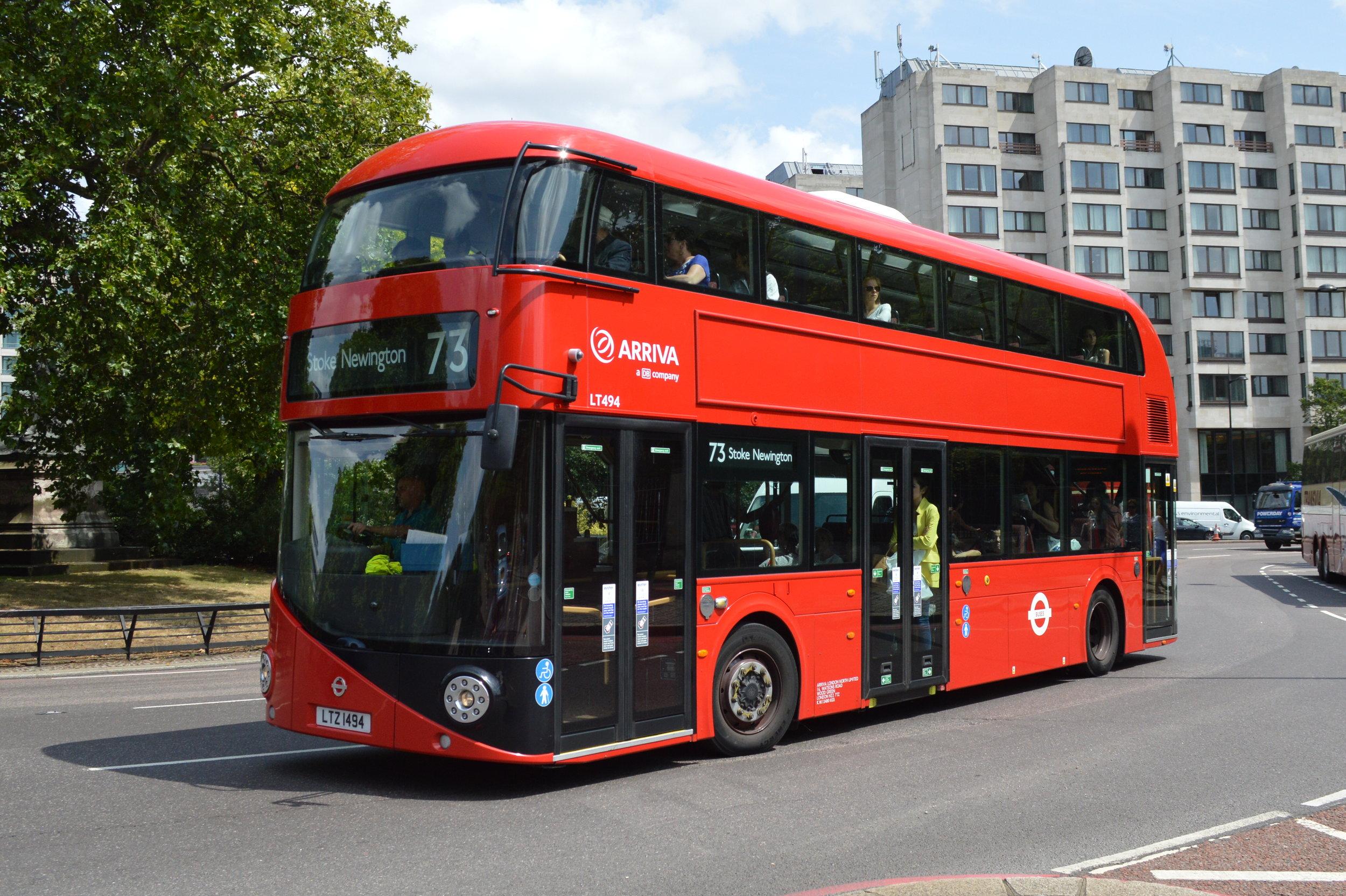 New Routemaster v ulicích Londýna. (zdroj: Wikipedia.org)