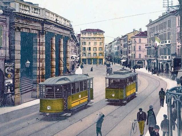 Tramvaje městské sítě v Brescii na dobové kolorované pohlednici.(zdroj: Wikipedia.org)