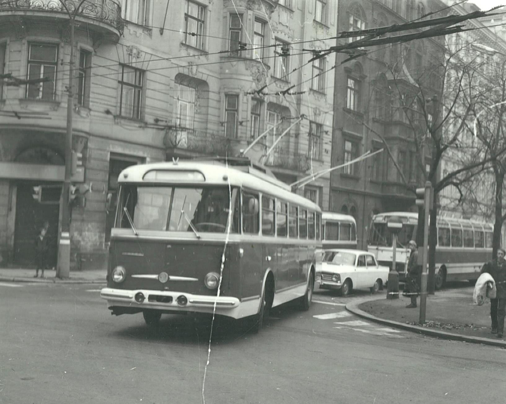 Trolejbus Škoda 9 Tr v Praze během zkoušek v roce 1968. (foto: Škoda Ostrov)
