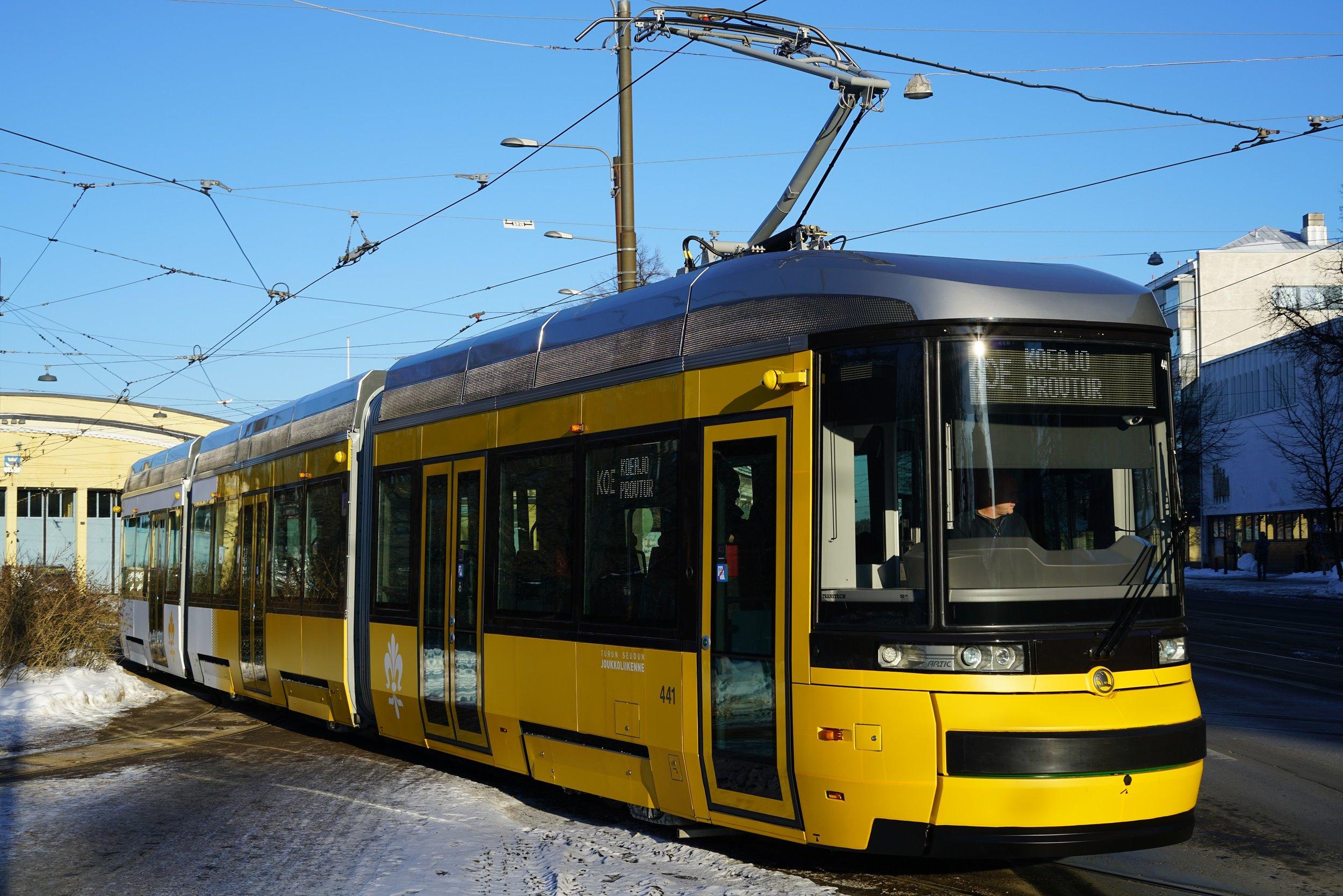 Škoda ForCity Smart Artic v Helsinkách. (zdroj: Wikipedia.org)