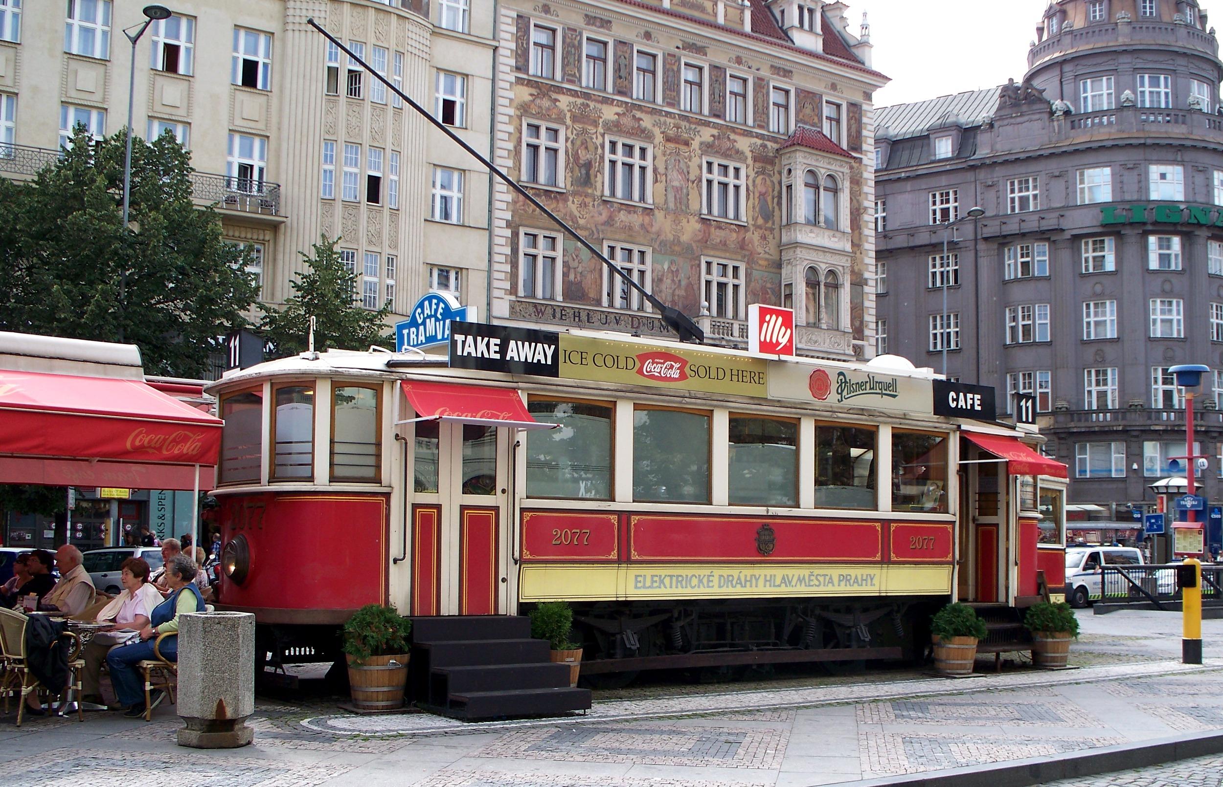 Vůz ev. č. 2077 je dnes na Václavském náměstí coby kavárna. V letech 1972-2000 však byla tramvaj v Plzni, přičemž původně se počítalo s tím, že bude zachována jako historická, byť v Plzni (kde nesla ev. č. 80) nikdy nesloužila potřebám cestujících, ale jenom jako služební. (zdroj: Wikipedia.org)
