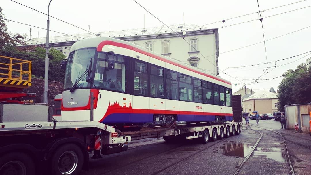 Příjezd prvního vozu EVO1 do Olomouce. (foto: DPMO)