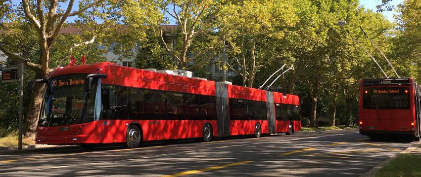 Tříčlánkový trolejbus Hess SwissTrolley 5 během zkušební jízdy dne 5. 9. 2018. (foto: BERNMOBIL)