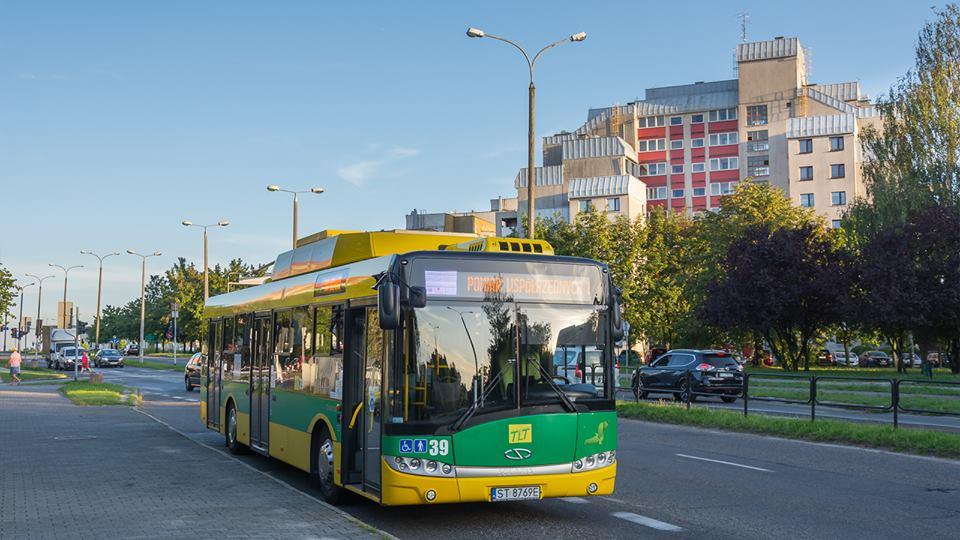 Na začátku srpna testoval dopravce budoucí společný, ovšem nezatrolejovaný úsek trolejbusových linek E a G. (foto: TLT)