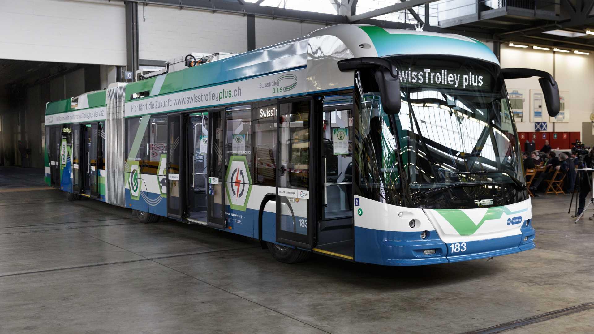SwissTrolley plus od výrobce HESS. (foto: VBZ Zürich)