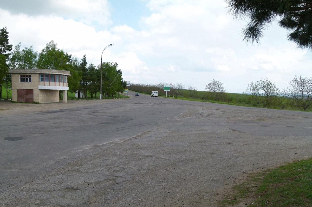 Až sem, k vesnicím Țareuca a Ţahnăuţti, chtěl pan Zajac trolejbusy poslat.
