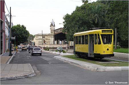 Na snímku z roku 2006 vidíme ev. č. 9007, které bylo dalšího roku předmětem vandalismu. (foto: Ian Thomson / sbírka Allena Morissona)