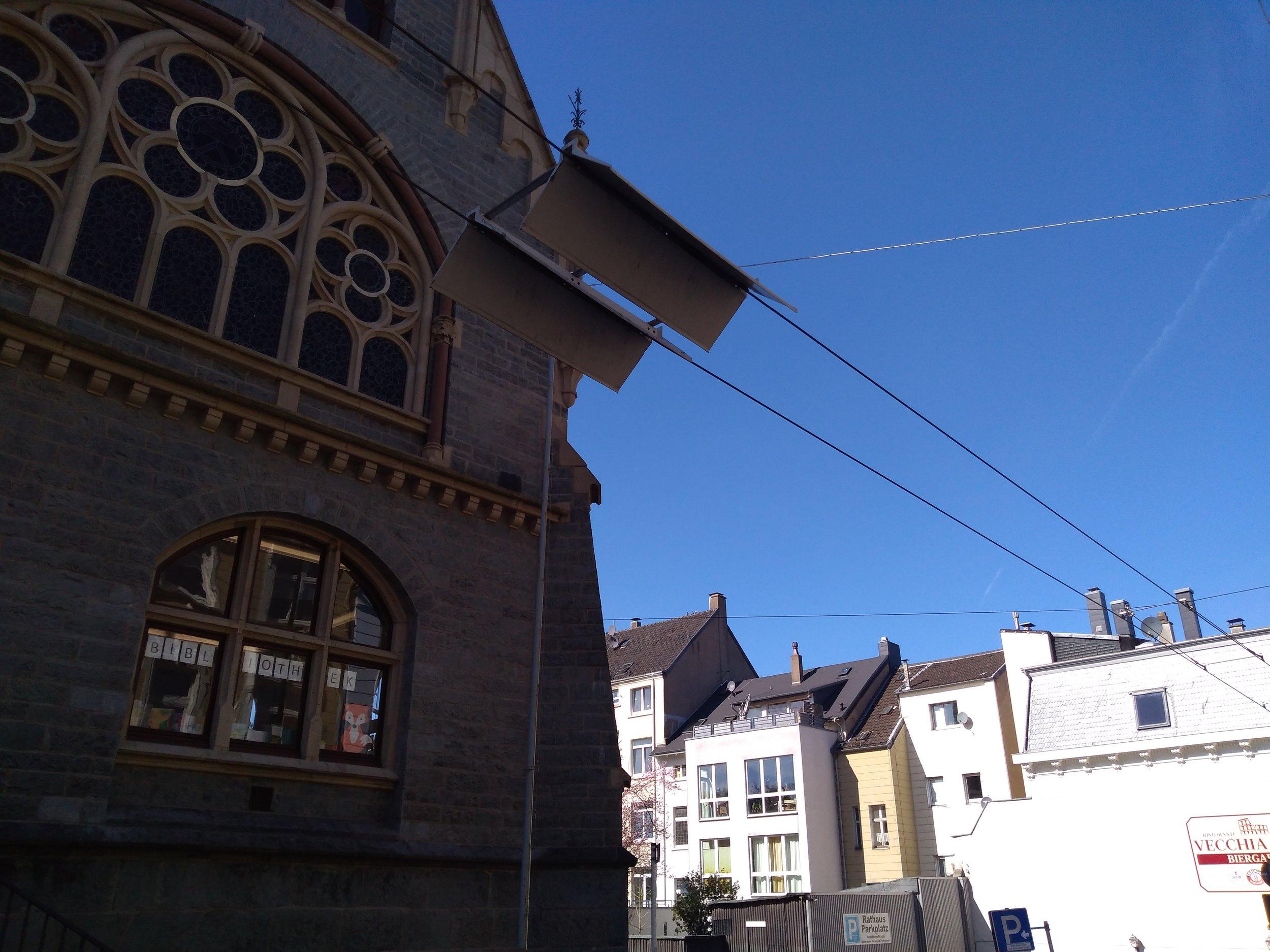 Toto už jsou spíše natrolejovací střechy…