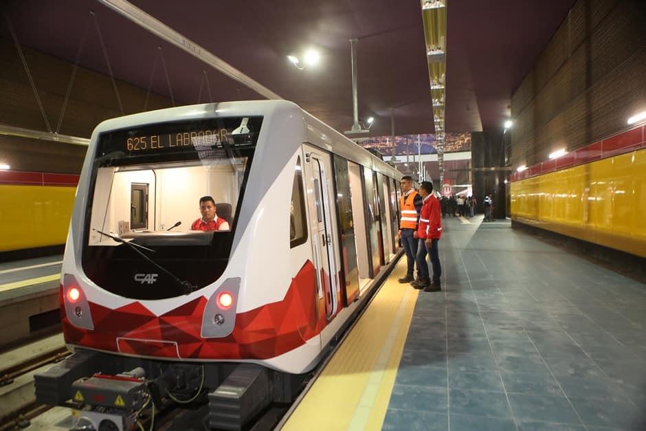 Momentka ze první slavnostní jízdy dne 18. března 2019. (foto: Metro de Quito)