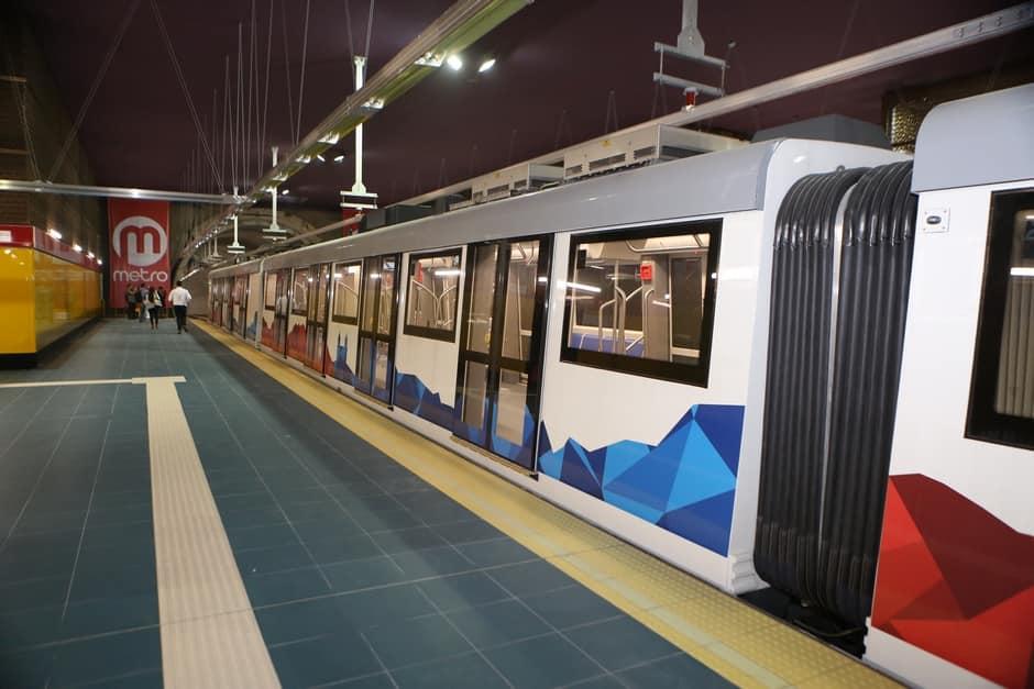 Jednotky o šesti vozech dodává španělský CAF. Celkem jich bude 18. (foto: Metro de Quito)