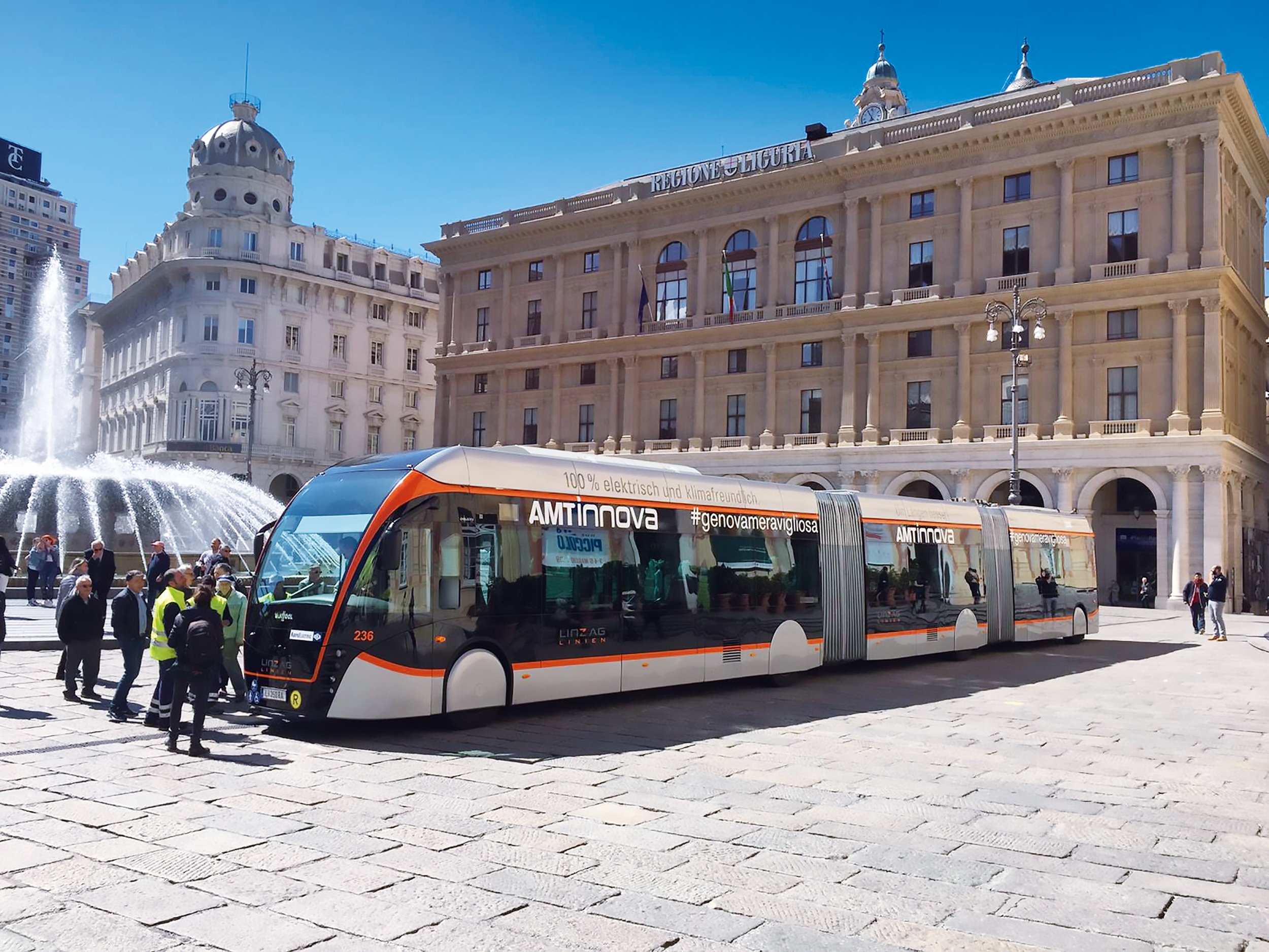 Trolejbus Van Hool Exqui.City 24T během prezentace zastupitelům města v Janově dne 7. 5. 2019. (foto: LINZ AG LINIEN)