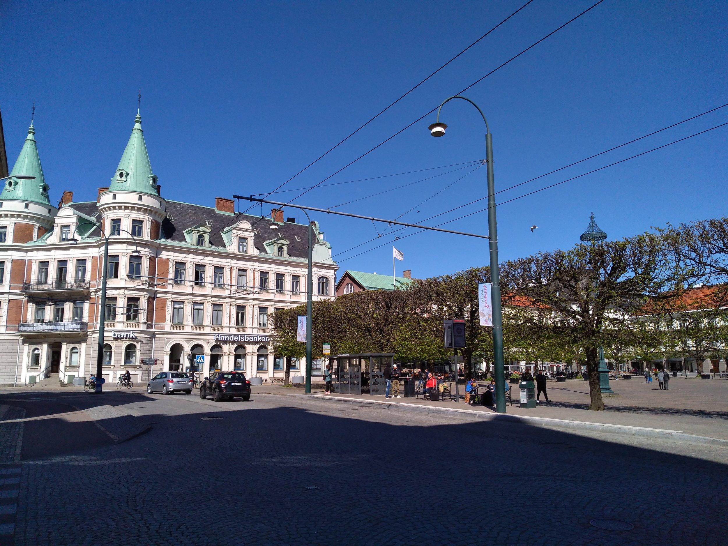 Zastávka u hlavního náměstí.