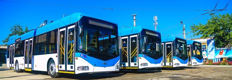 """Nové trolejbusy vypadají v místním prostředí """"jako z jiného světa"""". (foto: Today.tj)"""