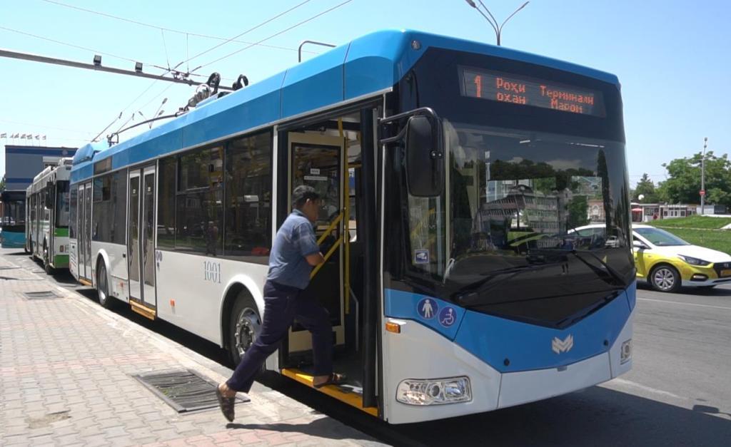 Nový trolejbus. (foto: Asia-Plus)