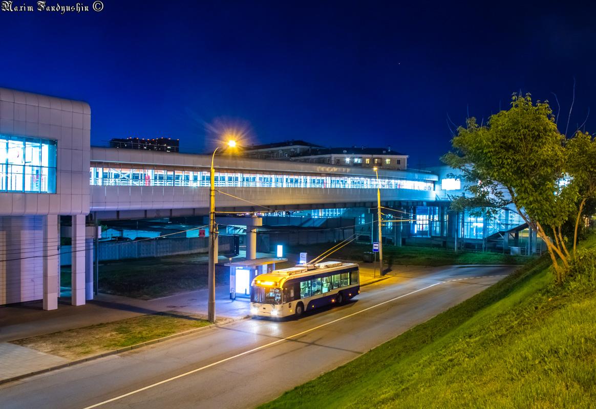 Moskevský trolejbus na lince č. 65 na zastávce ul. Narodnogo Opolčenija dne 18. května 2019. (foto: foto: M. V. Fandjušin)